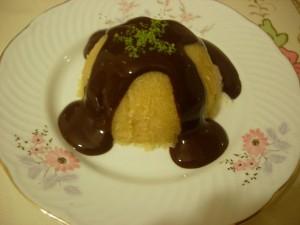 Çikolata Soslu Dondurmalı İrmik Helvası