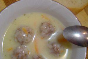 Köfteli Havuçlu Yoğurt Çorbası