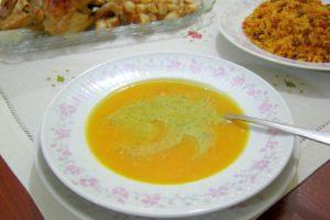 Fesleğen Soslu Sebze Çorbası