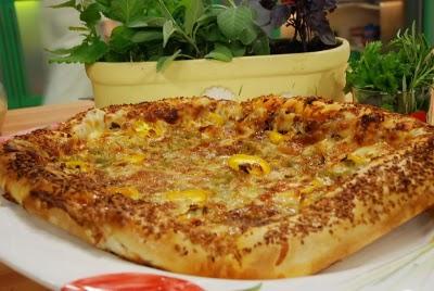 Susamlı Zeytinli Pizza