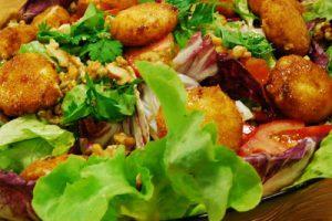 Kızarmış Tulum Peynirli Salata