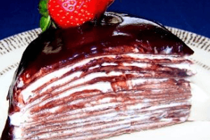 Krepli Çikolatalı Yaş Pasta