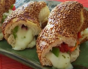 Sosisli Salamlı Sandviç Kanepeleri