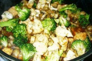 Mantarlı Brokoli Salatası