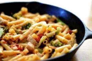 tavuklu-brokolili-makarna